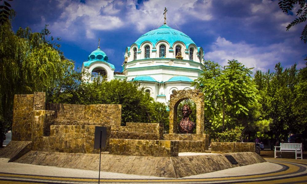 Svyato-Nikolaevskiy-sobor-v-Evpatorii
